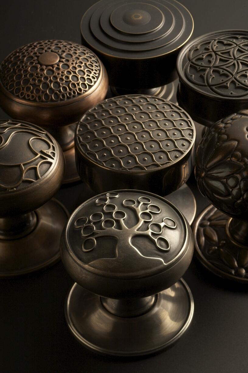 Sa baxter hardware art architectural hardware blog for Door knobs uk